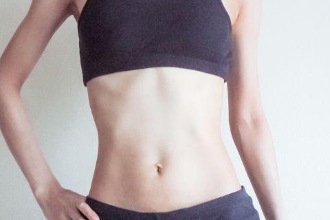 食事 腹筋 割る 腹筋を割るのに「食事制限なし」にするたった1つの方法とは?